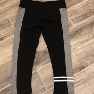 NWT SO cropped leggings